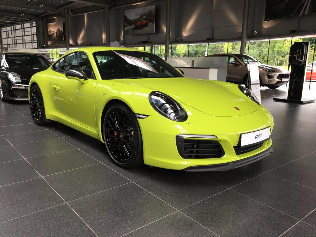 Grön Porsche 911
